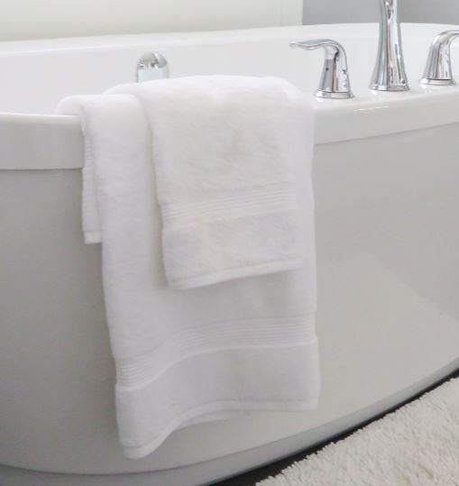 Luxury bath towels    With the highest gsm, our luxury bath towels come with an elegant header and a luxurious plush feel.  Available in:   - Bath towel: Standard or large   - Bath mat   - Hand towels   - Face washers  It is the perfect finish to a 5-star bathroom.