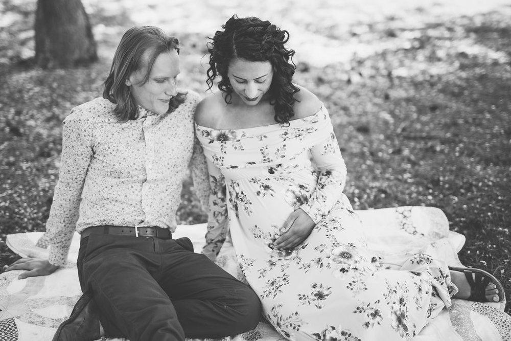 Seth&KatieMaternity-28.jpg