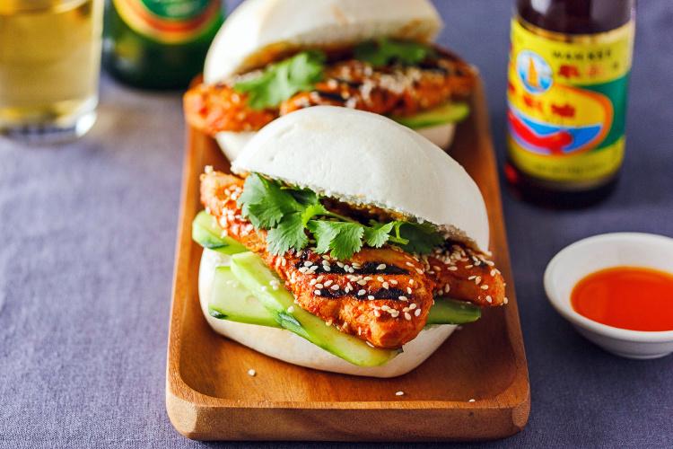 Grilled-chilli-chicken-buns-750.jpg