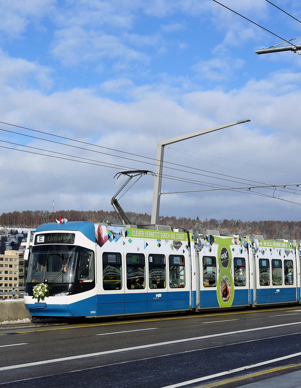 projets spéciaux… - …. comme par exemple, des emplacements publicitaires spéciaux pour l'ouverture d'une nouvelle ligne de tram à Zürich