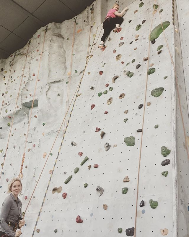 It was great to have our first joint training session yesterday (thanks Charlie!) just as the sheer enormity of our challenge really set in 🏔 We quite literally learnt the ropes, and got each other to the top of a pretty steep pair of walls 🧗♀️🧗♀️#wildwomenchallenge #girlswhoclimbrocks