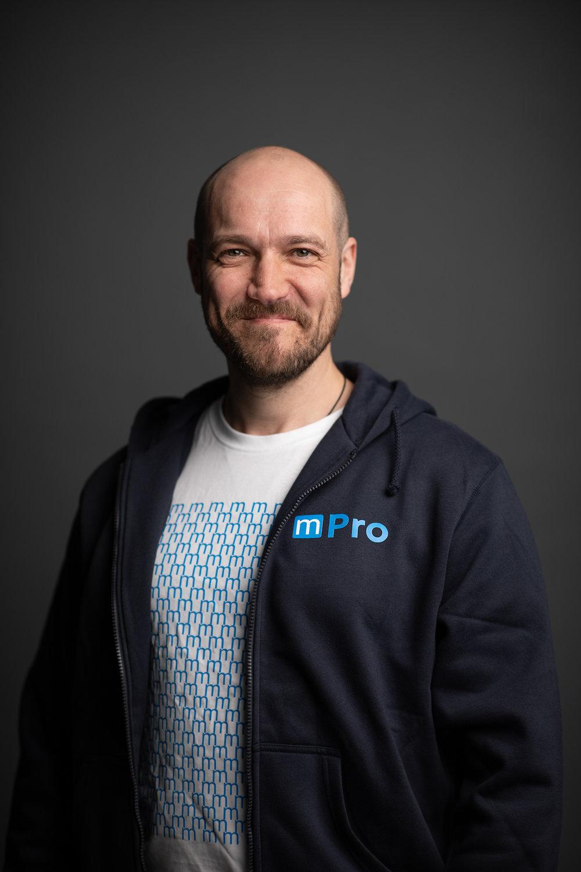 Mikael Ahlskog   Hardware Installation Specialist,    AV & Network