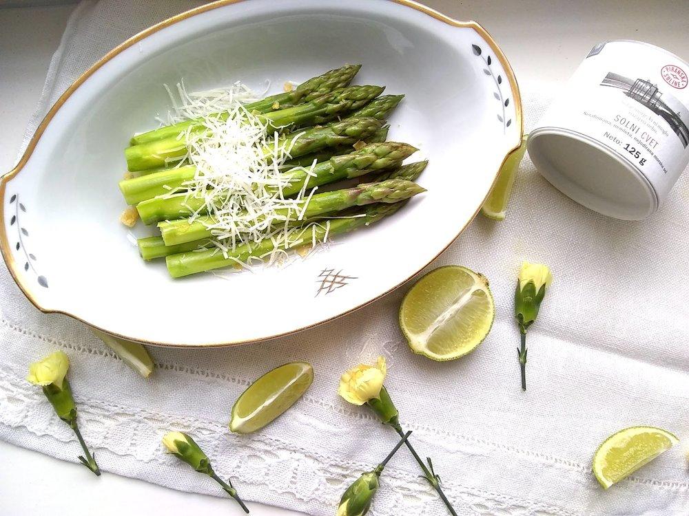Asparagus with pecorino.jpg