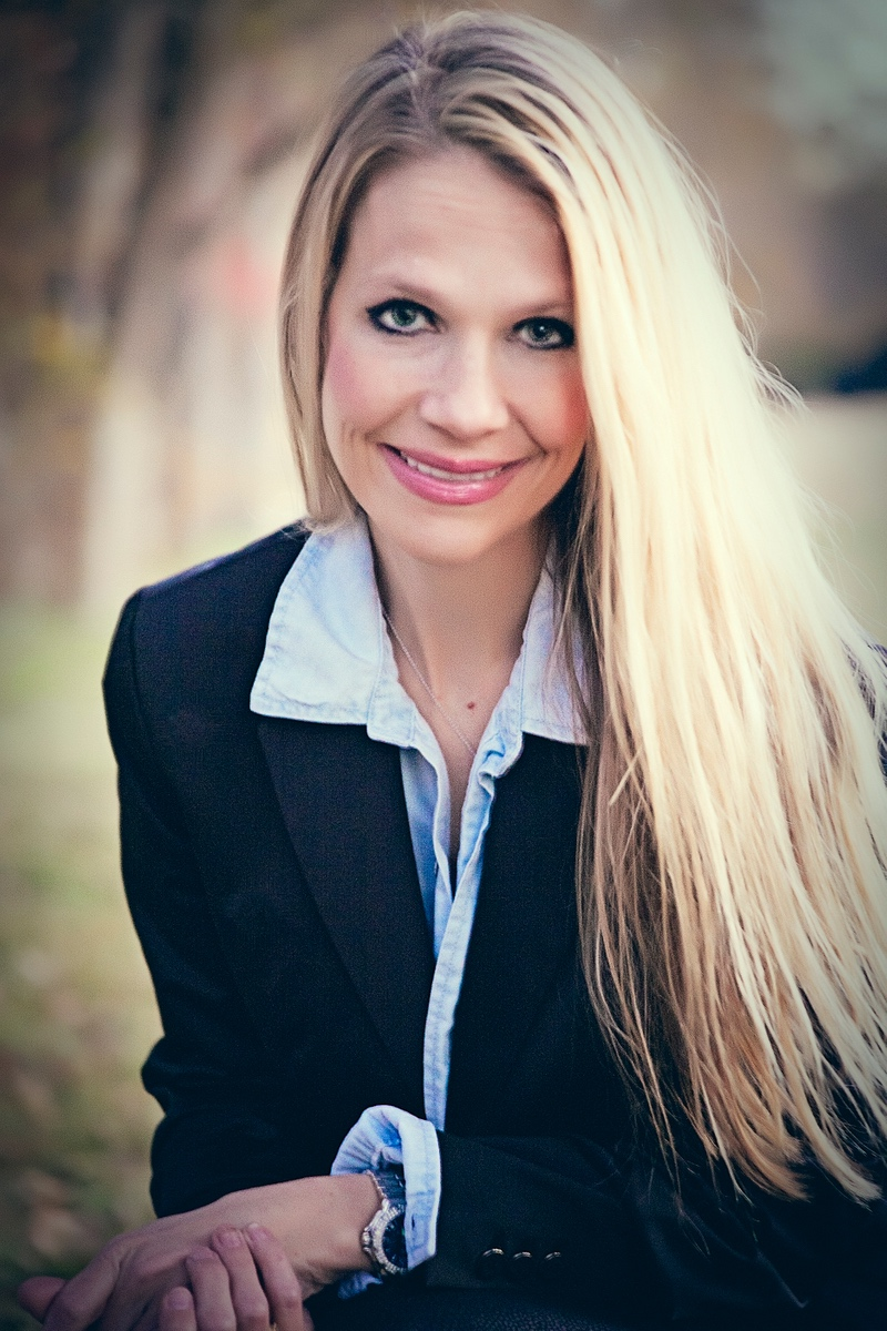 Dr. Robyn Abramczyk at Smile Ranch Dentistry -