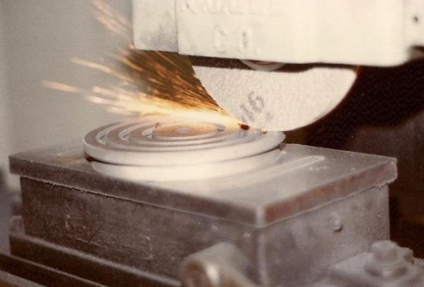 toolgrinding.jpg
