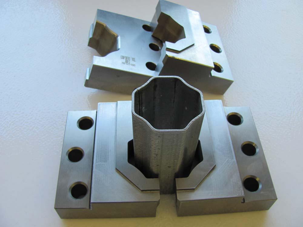 octagon-jaws-2.jpg