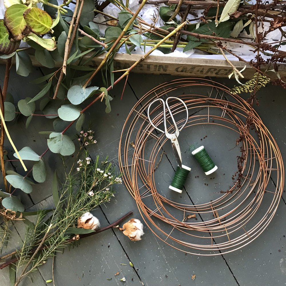 ivy pip & rose guide to making an autumn wreath