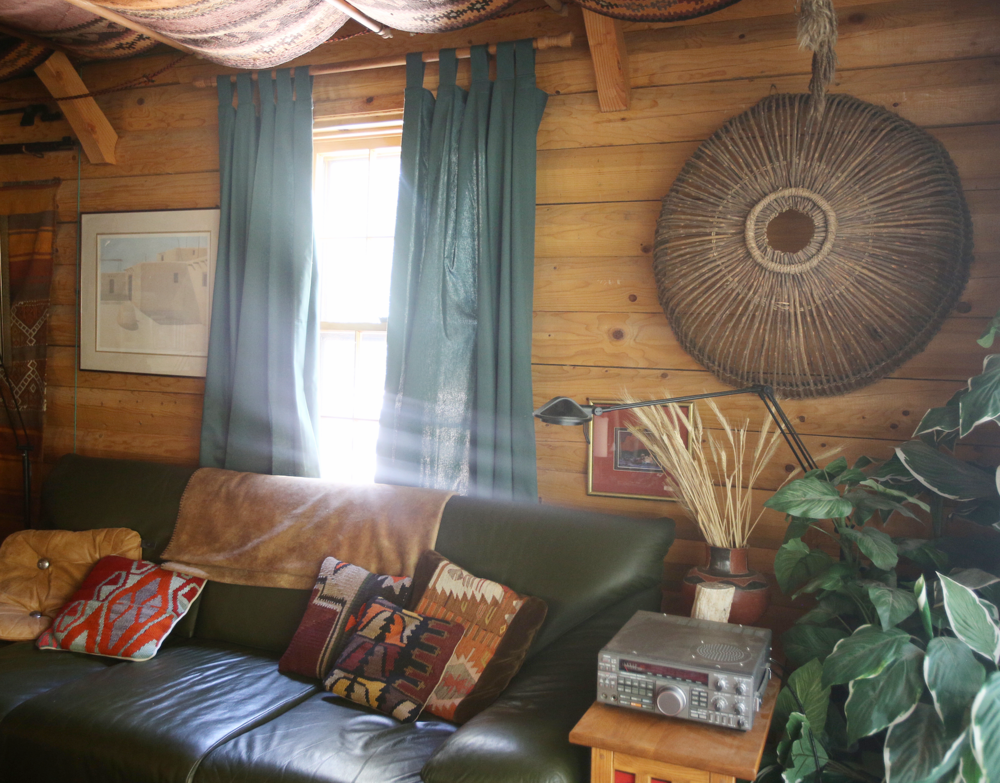 @themodhemian house tour, boho cabin in the woods