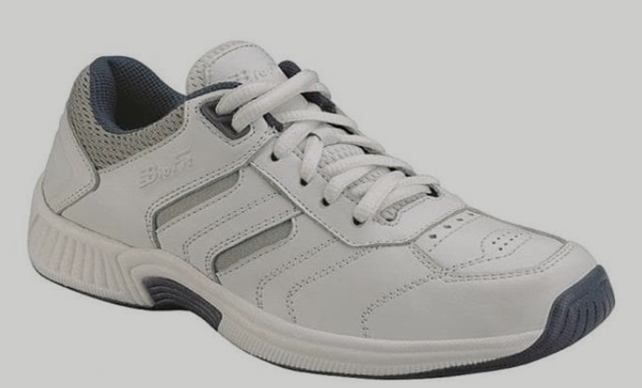 White T Shoe.png