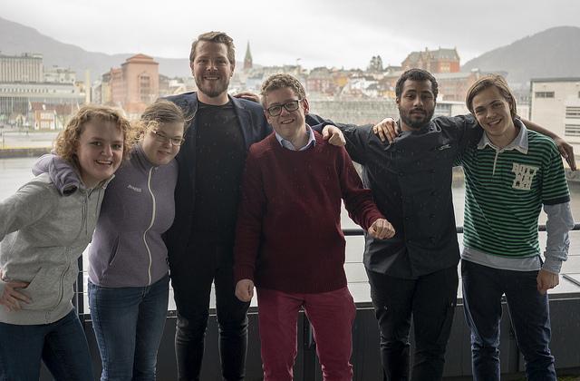 Fra venstre: Stine, Nora, Roger, Sølve, Marc og Ole Vidar. Foto alle bilder: Mikkel Eknes