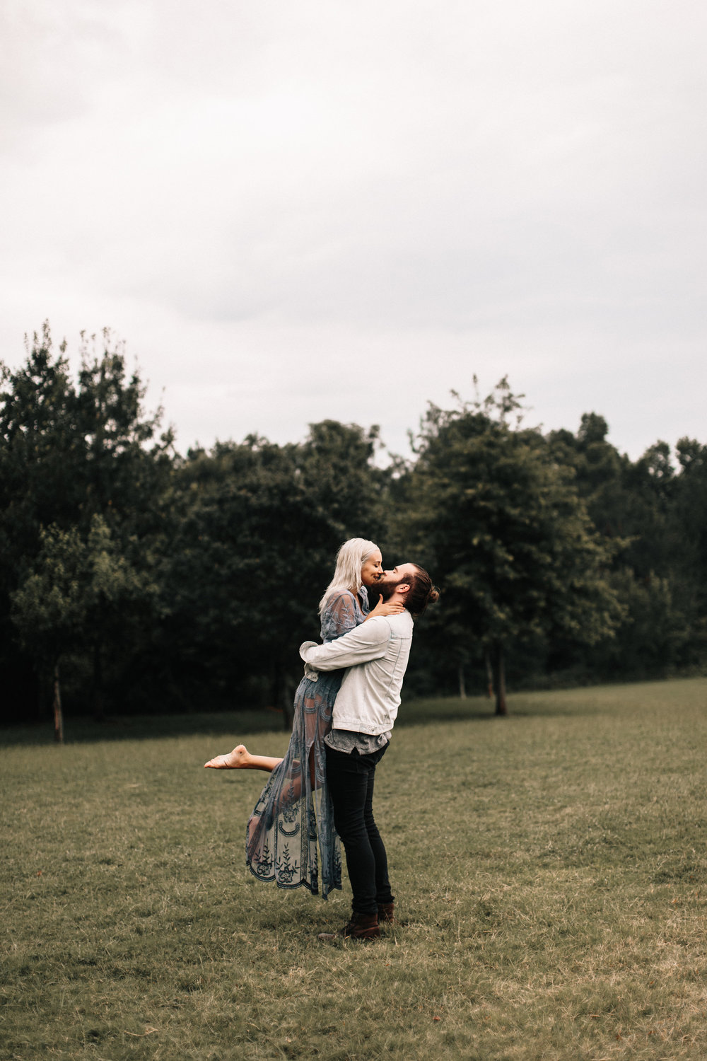 16-lauren-taylor-watt-atlanta-rainy-day-engagement.JPG