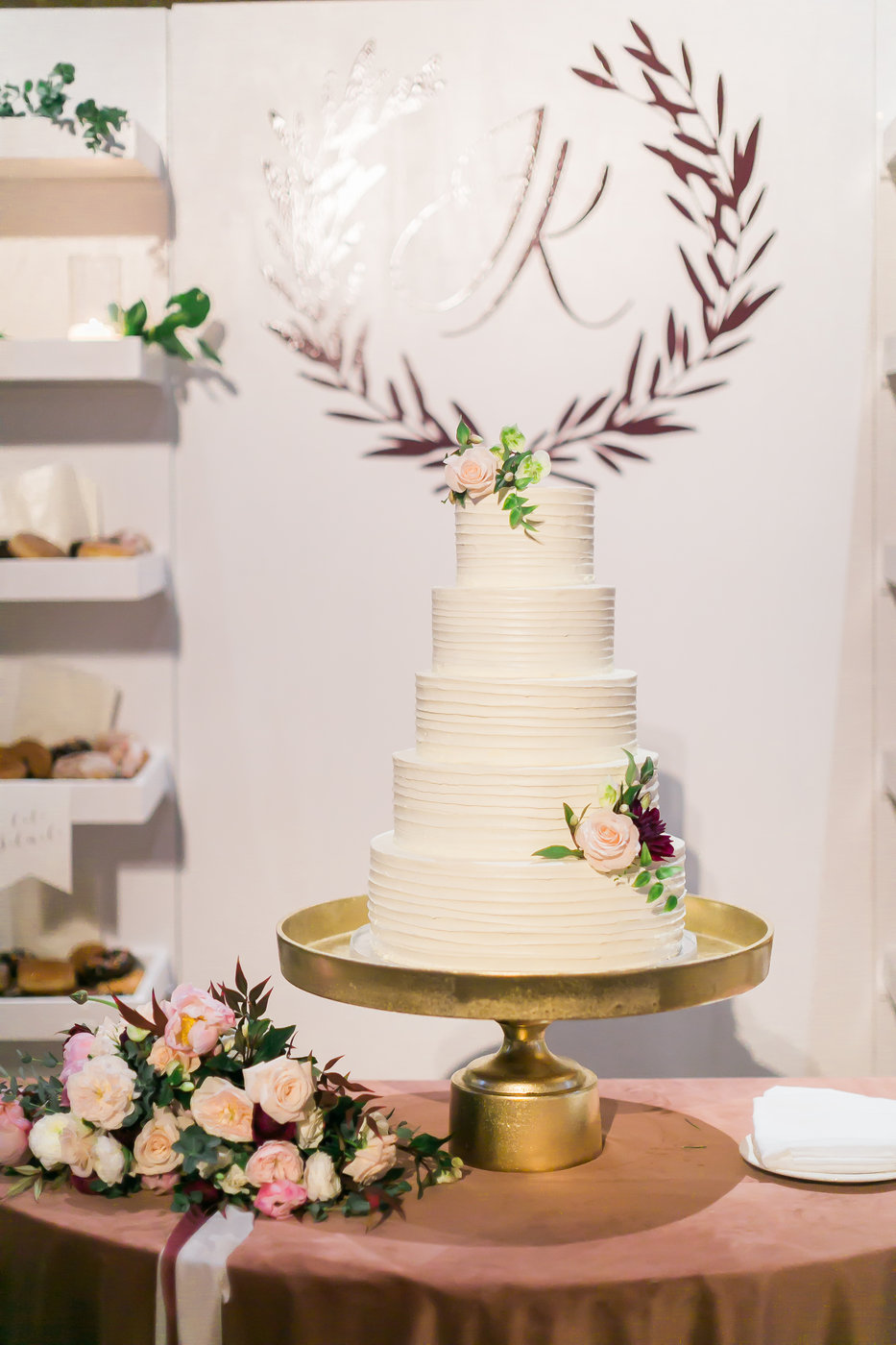 wedding cake las vegas wedding planner angelica rose events with peridot sweets.jpg