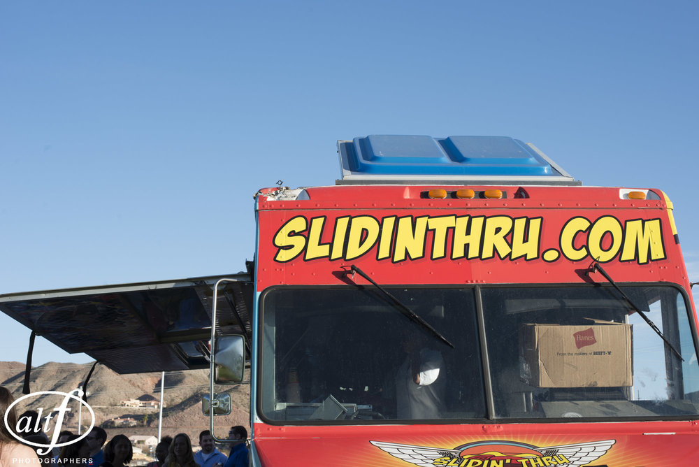 slidin-thru-food-truck-wedding-las-vegas