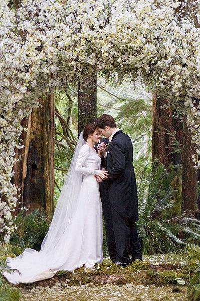 Breaking-Dawn-Wedding-Ceremony1.jpg
