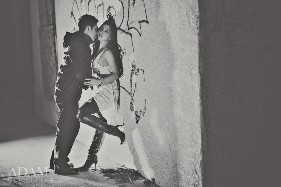 las-vegas-black-white-engagement