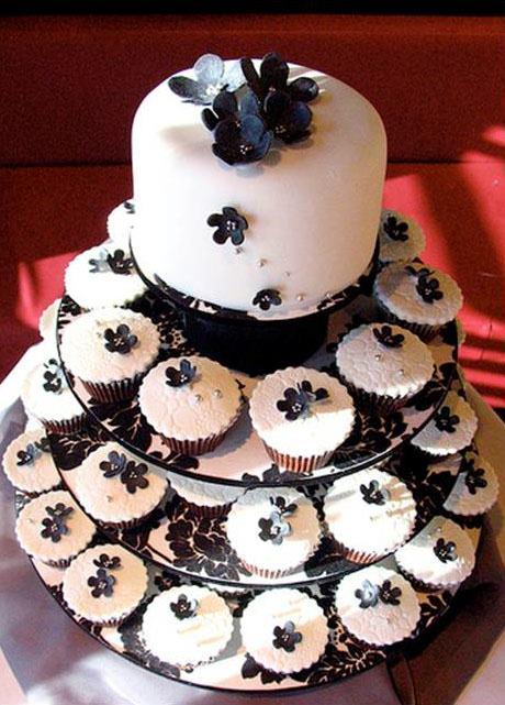 Elegant and timeless black-and-white cake