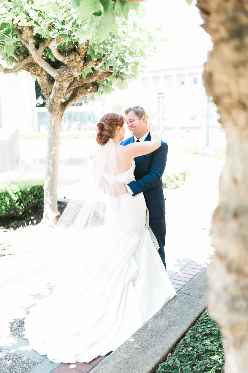 first look wedding day bride and groom wedding photos las vegas wedding planner J.Anne Photography