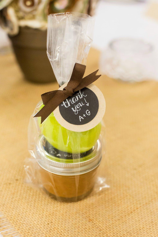 caramel-apple-wedding-favor