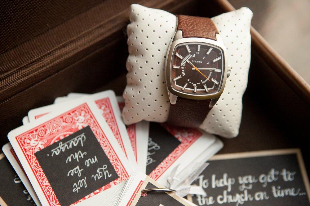 groom-watch