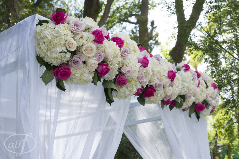 pink-and-ivory-outdoor-wedding-ceremony