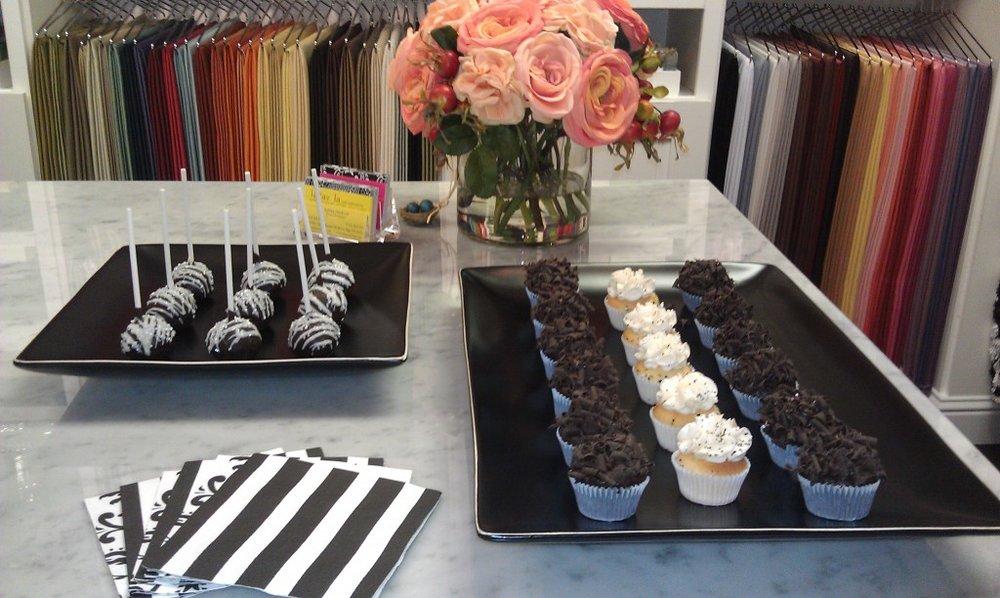 la tavola studio cupcakery