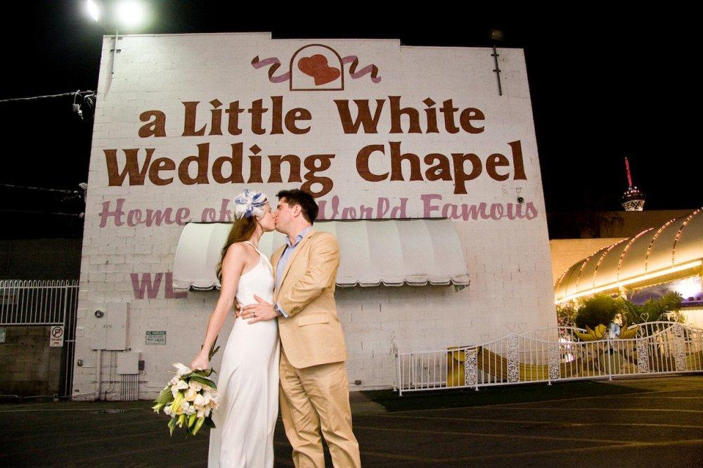 little white wedding chapel las vegas