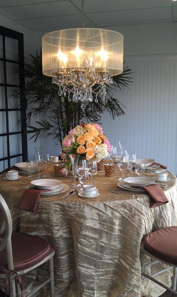 latavola table set up