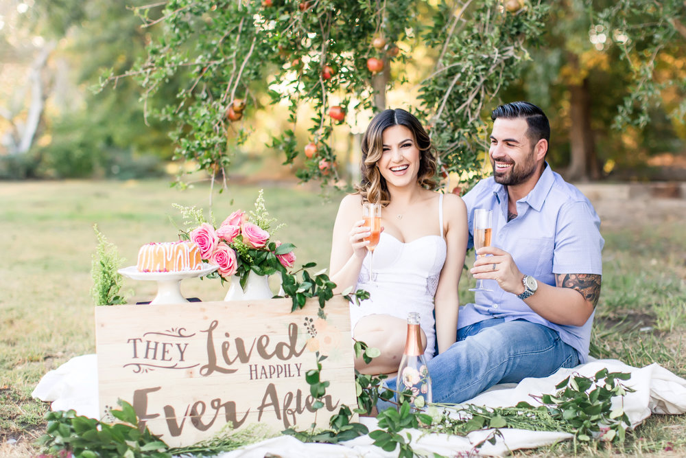 las vegas wedding planner, engagement session, las vegas enagagment photo, engagement photos, outdoor photo shoot, green orchid events