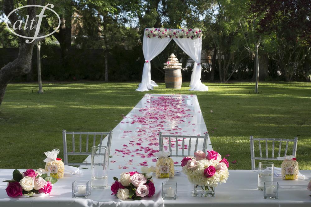 outdoor-wedding-ceremony.jpg