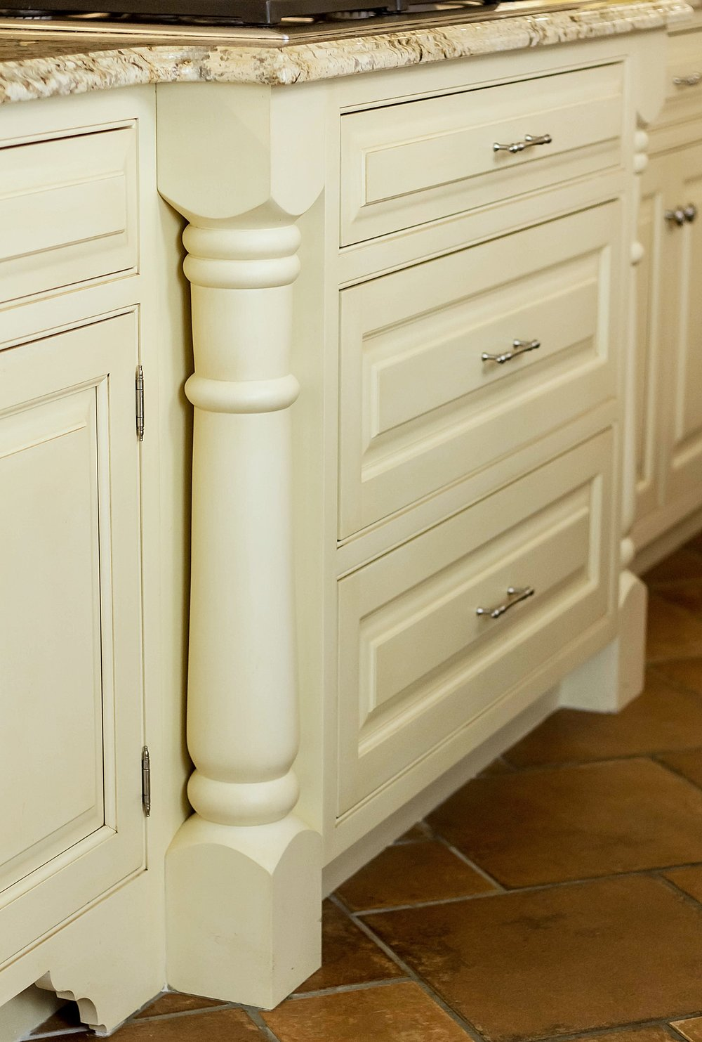 Traditional style kitchen cabinets with custom molding