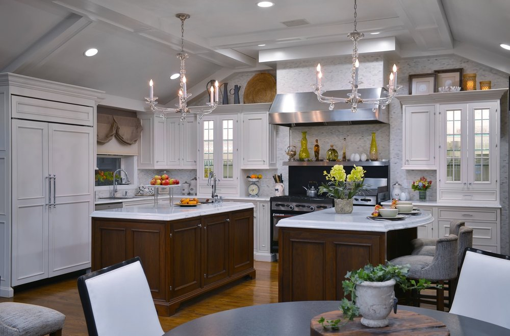 Traditional style kitchen with white marble countertop