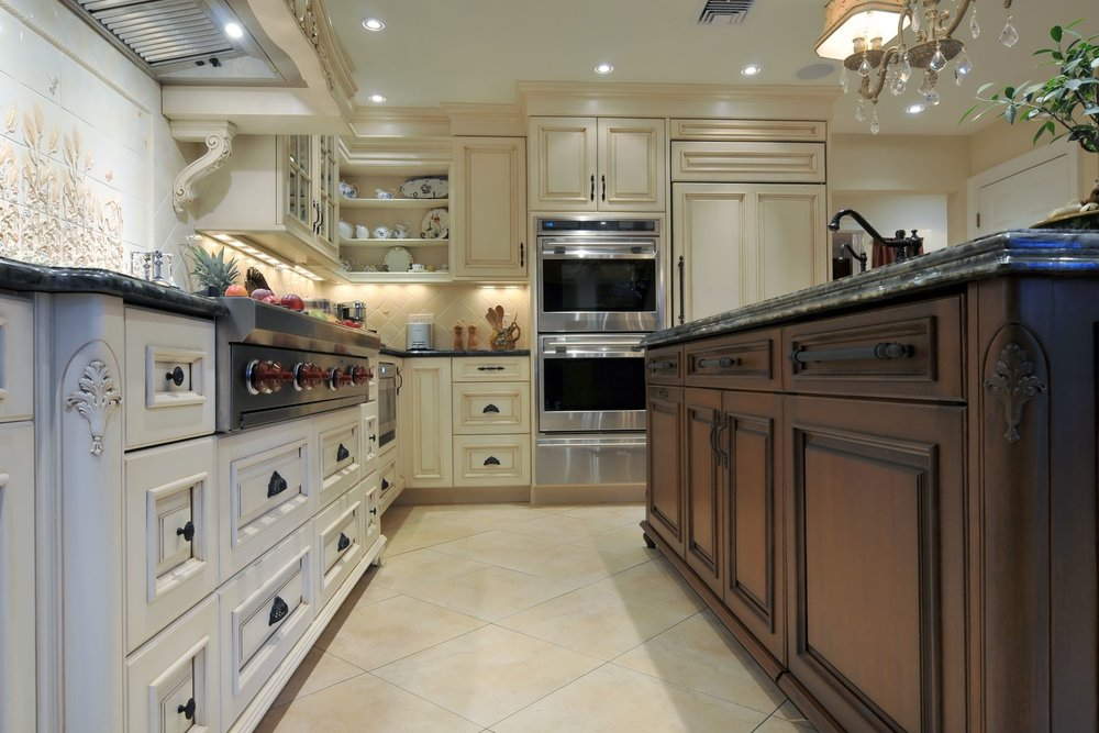 Traditional style kitchen with custom wood cabinets