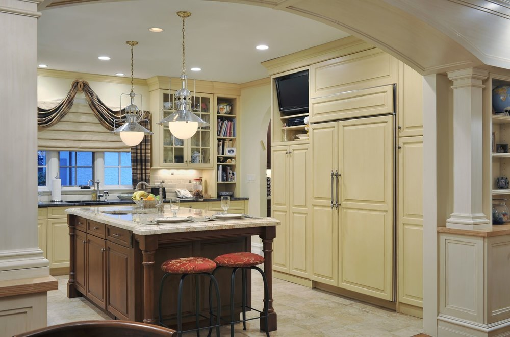 Traditional style kitchen with two pendant lighting