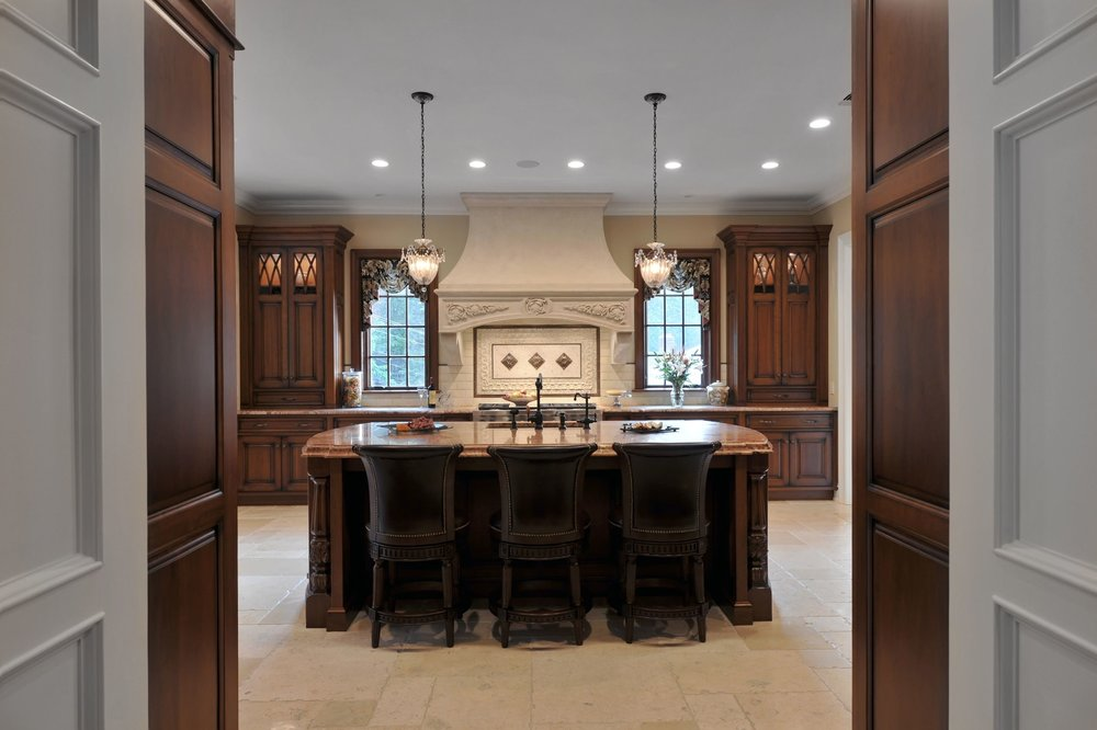 Traditional style kitchen with elegant wooden theme