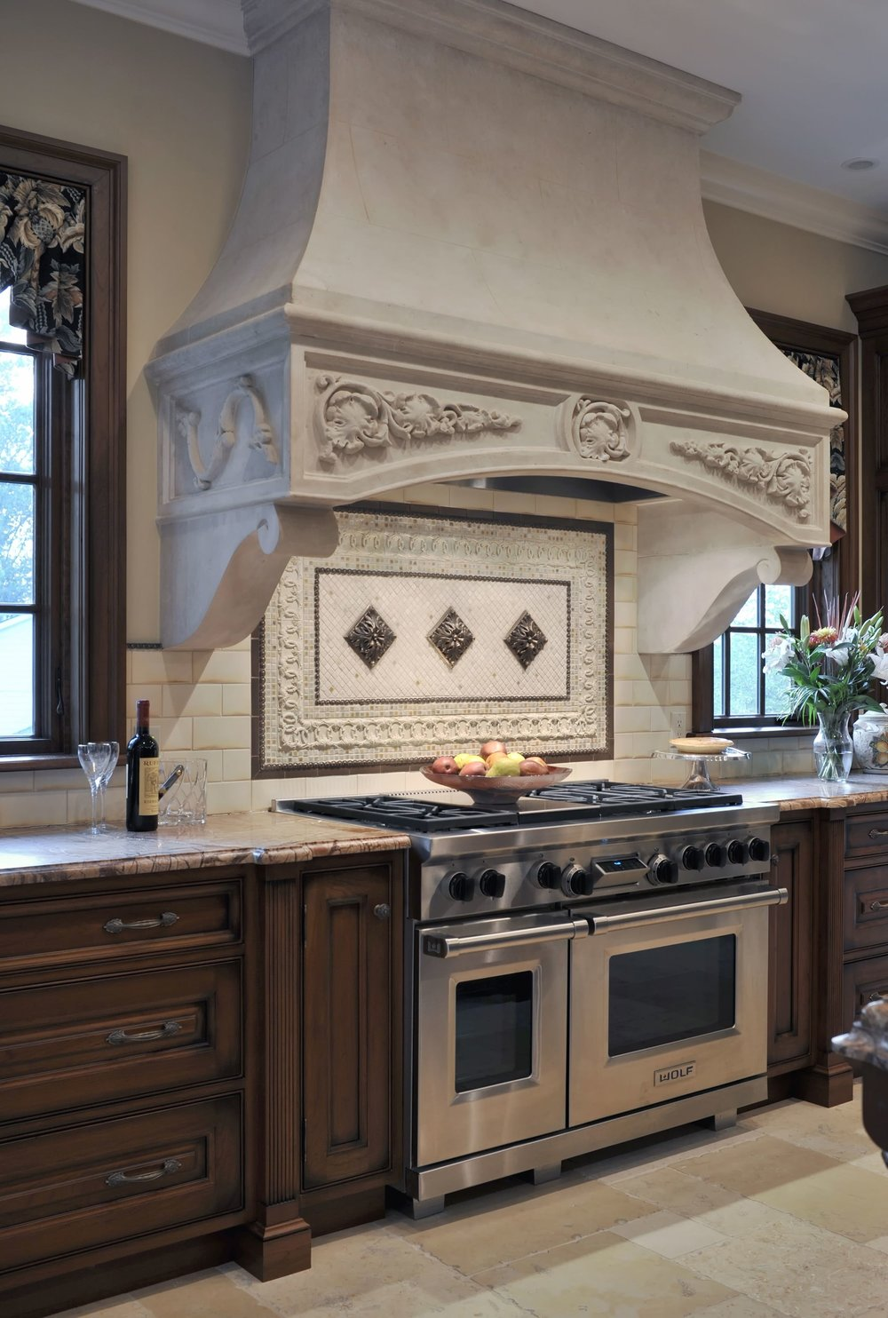 Traditional style kitchen with stainless range oven