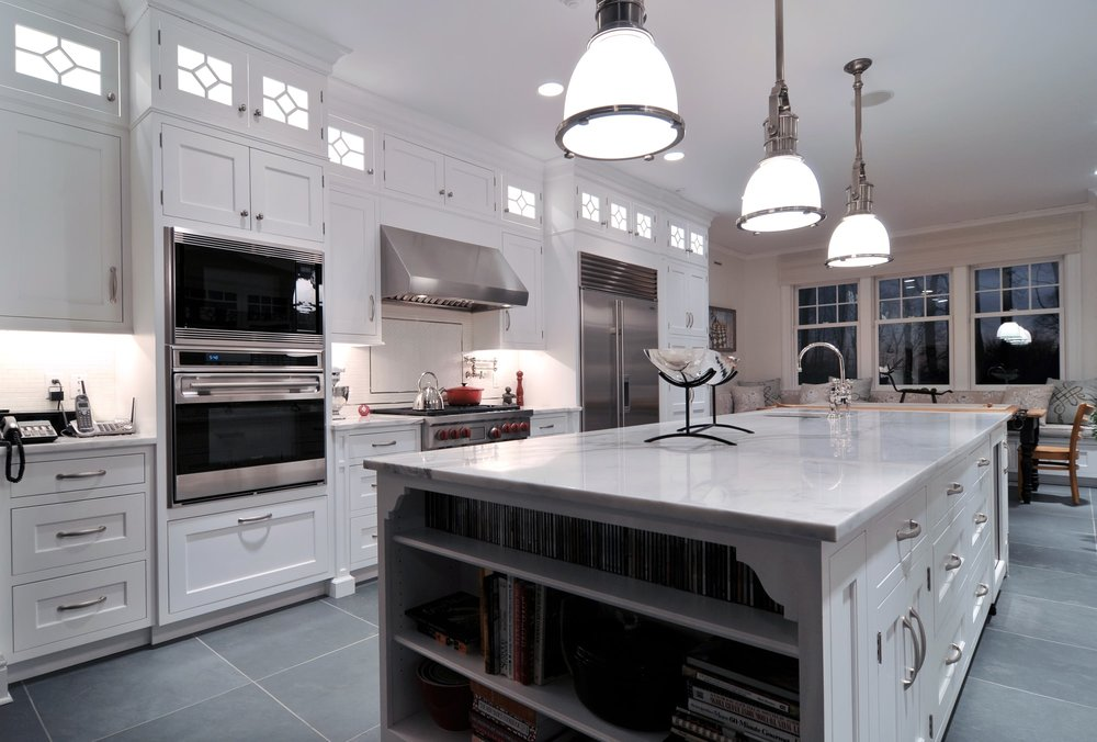 Traditional style kitchen with plenty of drawers and cabinets