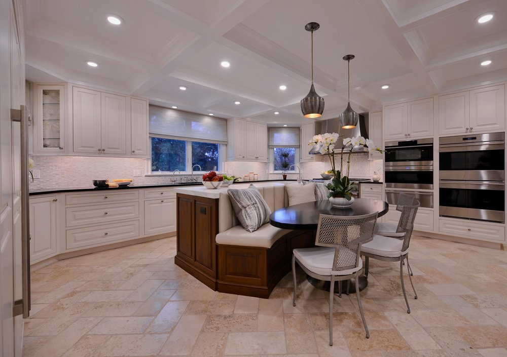 Transitional style kitchen with spacious tiled floor