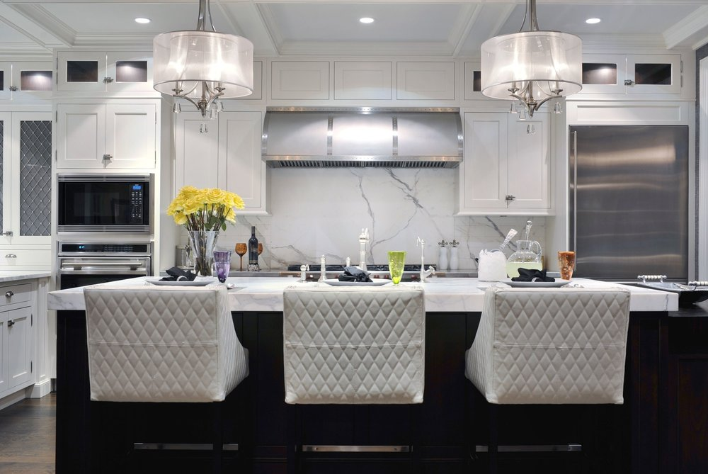Transitional style kitchen with eye-catching pendant light fixture