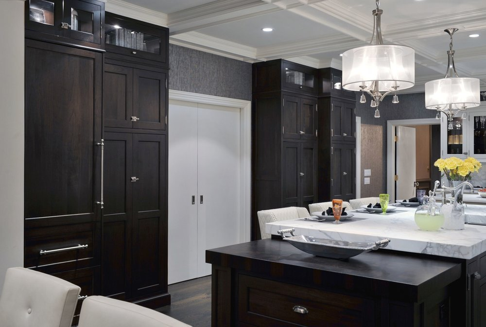 Transitional style kitchen with brass wooden cabinets
