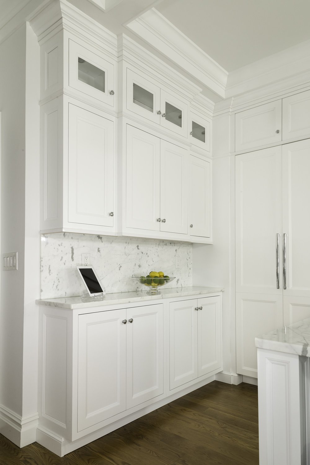 Transitional style kitchen with plenty of room for storage