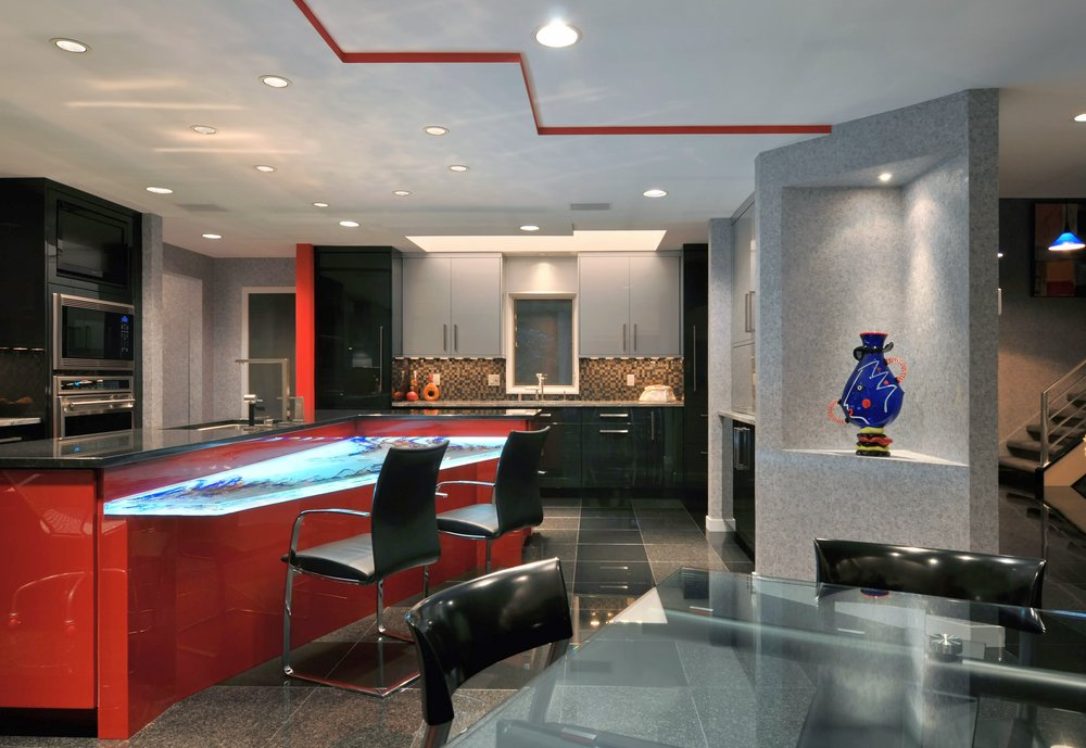 Contemporary style kitchen with two toned kitchen theme