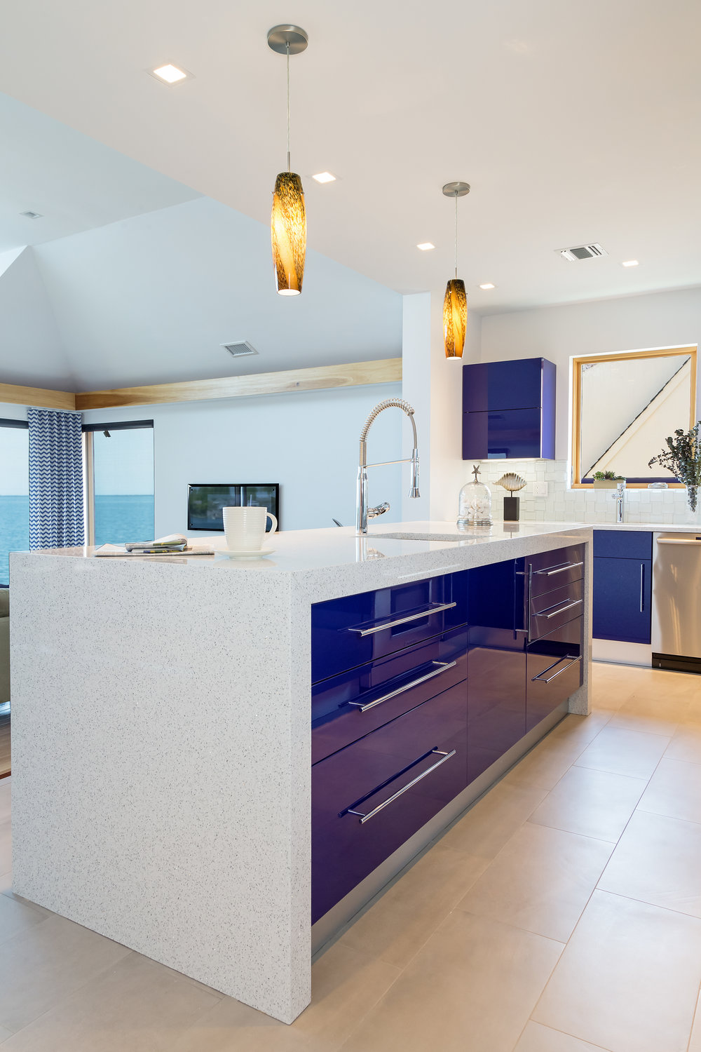 Contemporary style kitchen with two pendant light fixture
