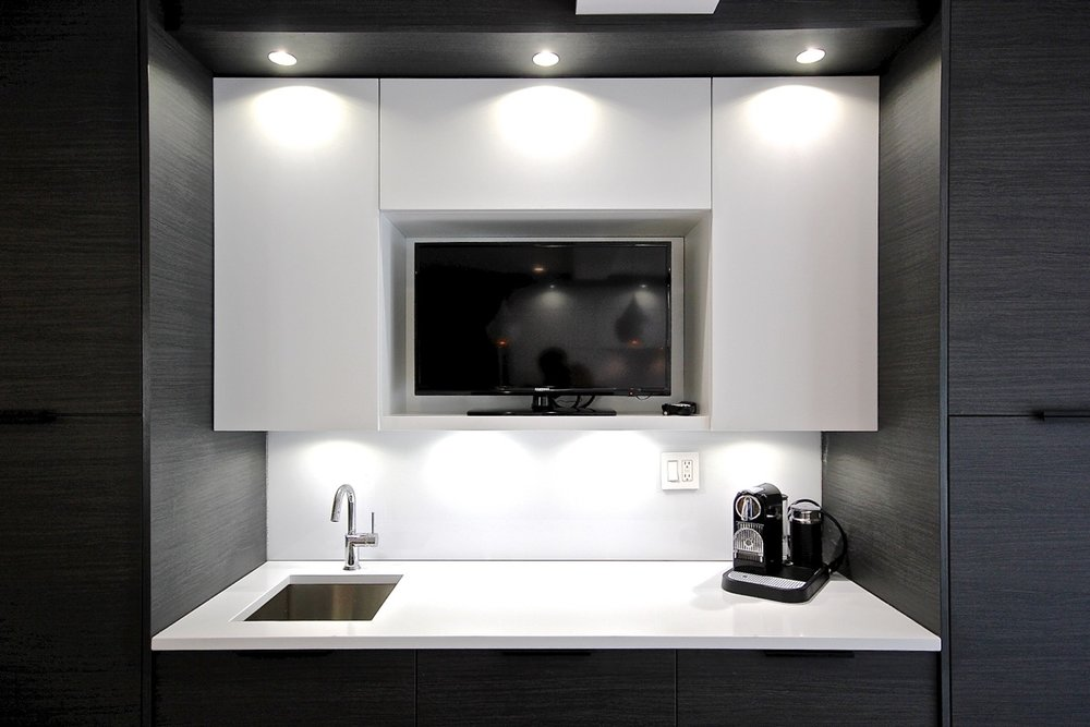 Contemporary style kitchen with single hand