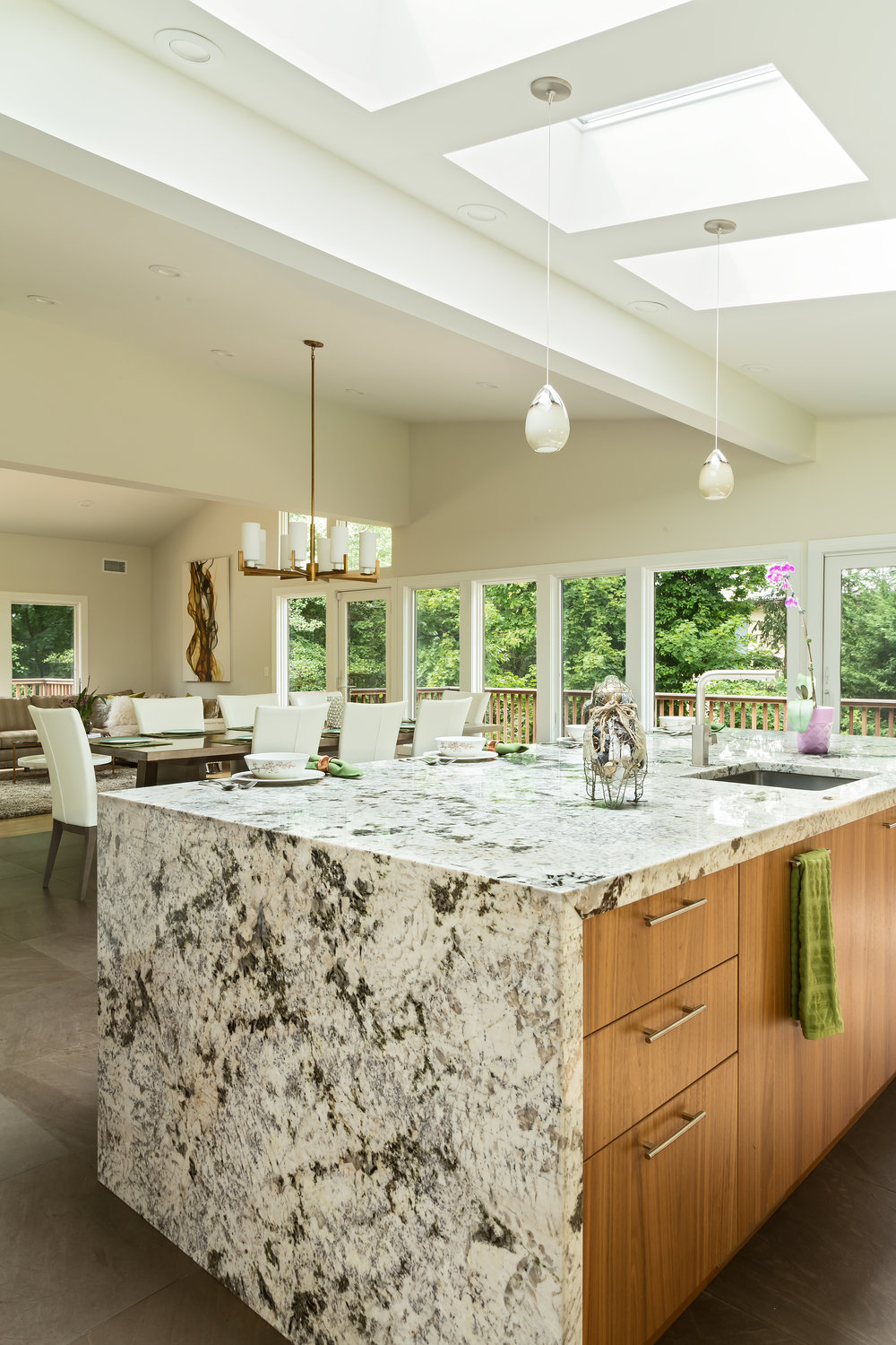 Contemporary style kitchen with pendant light fixtures