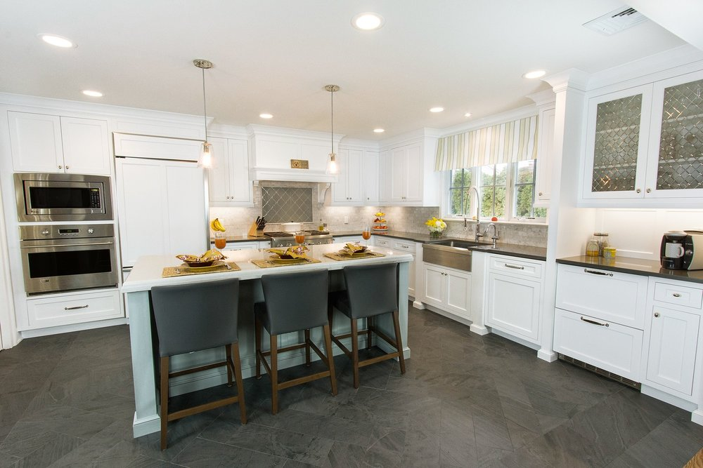 Traditional style kitchen with spacious and tile floor