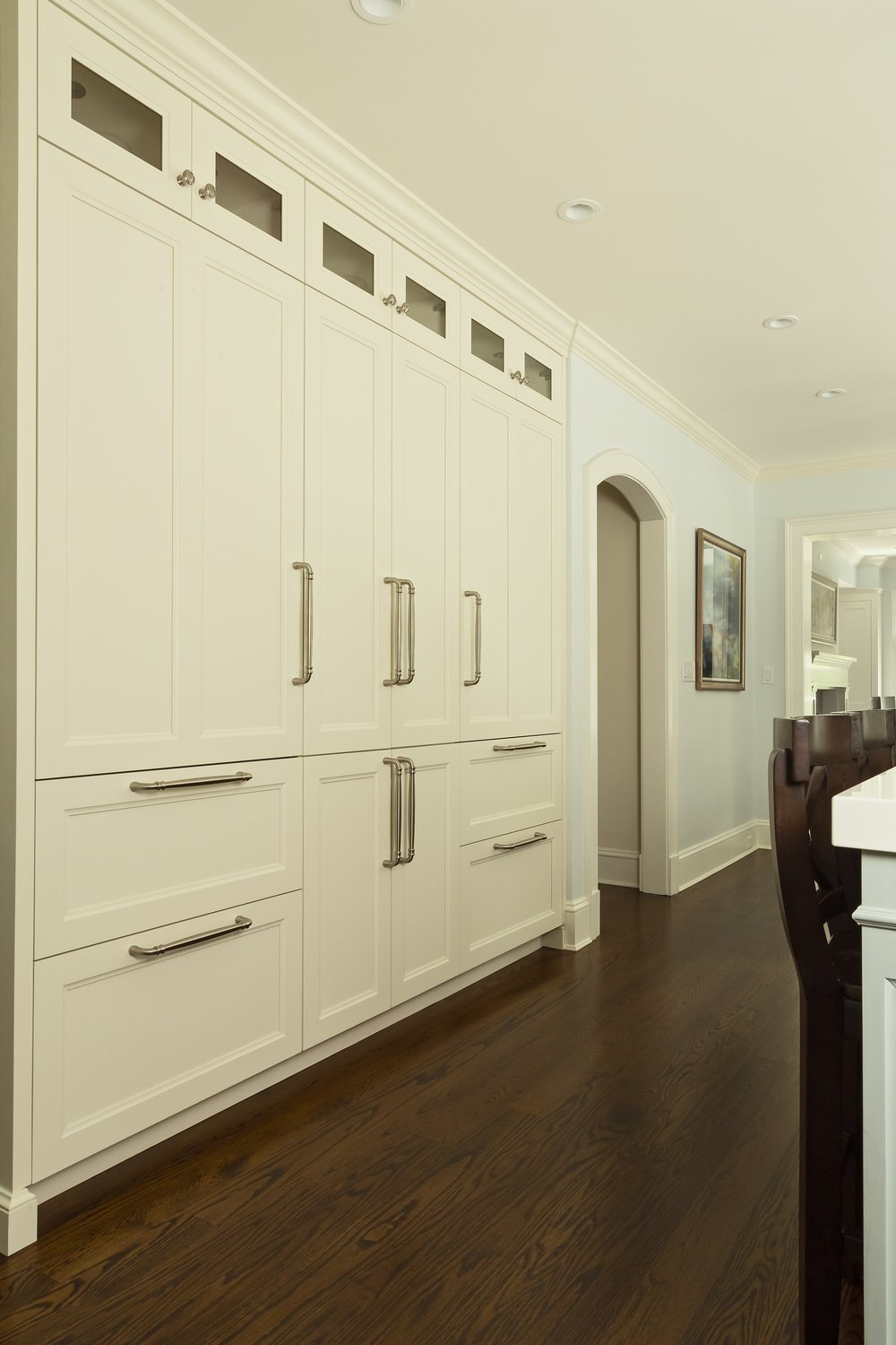 Transitional style kitchen with large cabinets and drawers