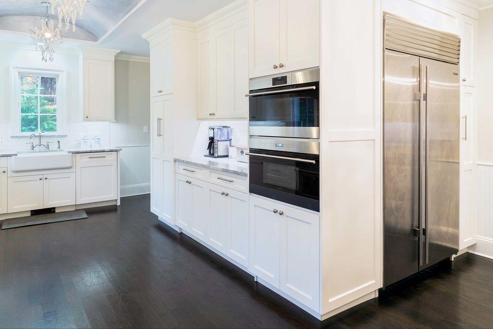 Long Island transitional kitchen Sub Zero refrigerator and Wolf range