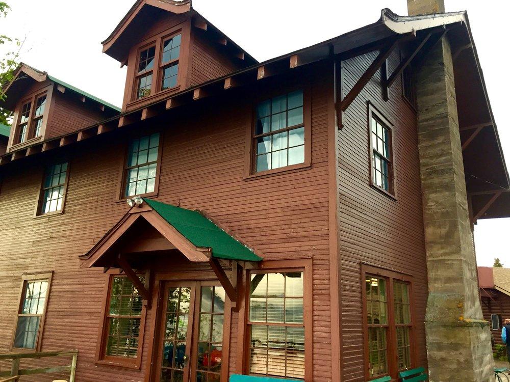 32 - Rock Harbor Lodge.jpg