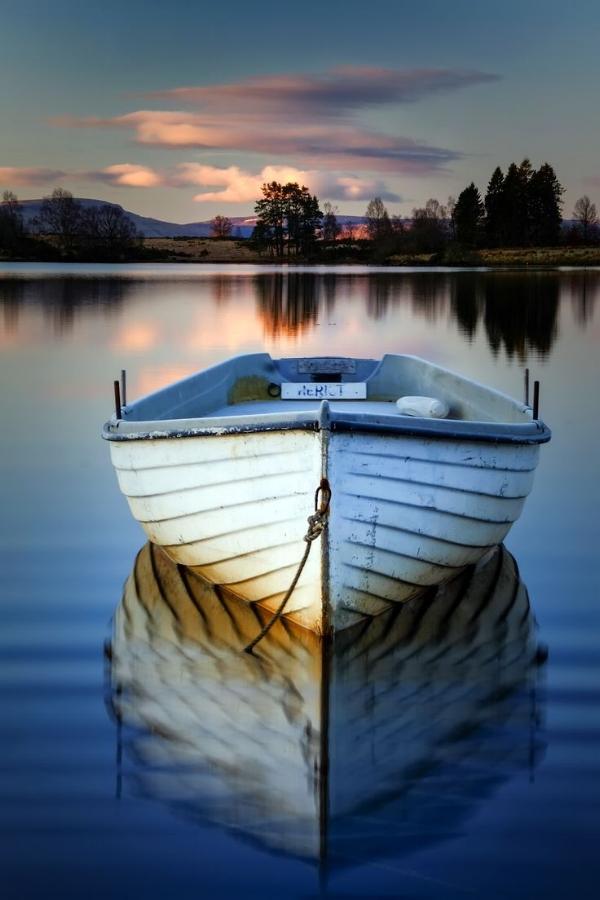 a boat2.jpg