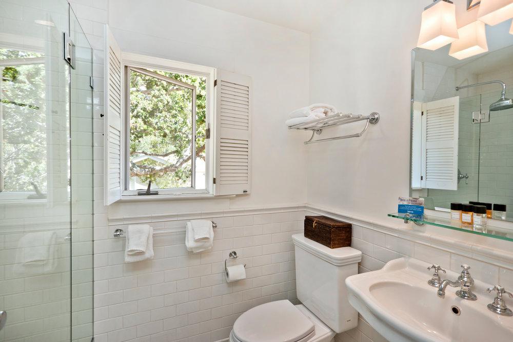 Bathroom in Room #6.jpg